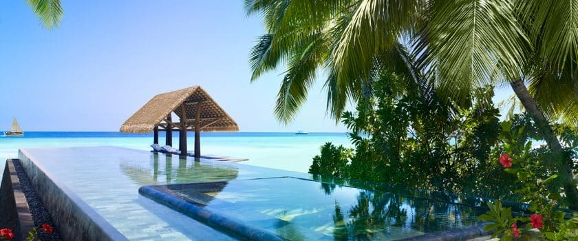 one-and-only-reethi-rah-pools-and-beaches