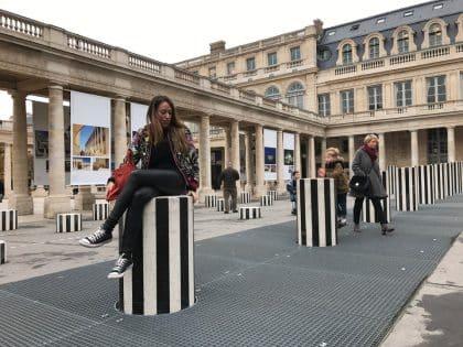 Passeio pelos jardins do Palais Royal, Paris - França