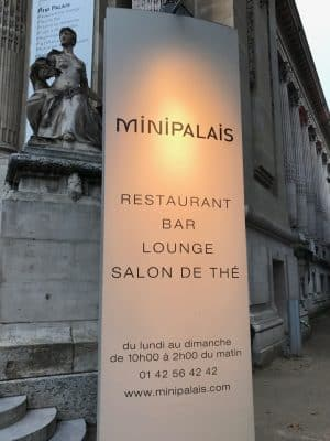 Mini Palais, bar e restaurante em Paris, França