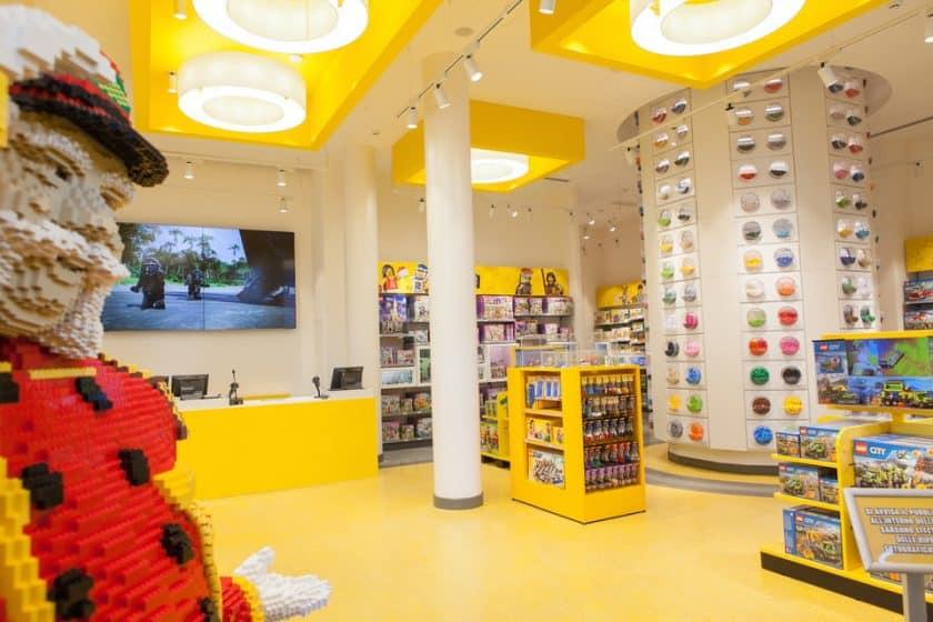 loja de LEGO - Piazza San Babila, Milão
