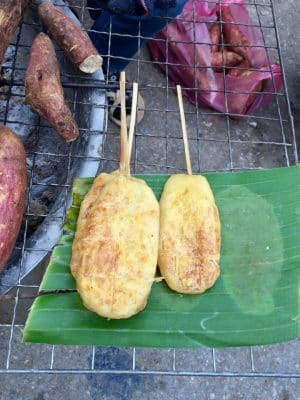 Mercado matinal local em Luang Prabang, no Laos - Nacht Market - Grilled Sticky Rice