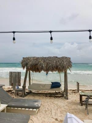 Praia em Tulum, México