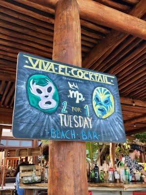 Placas divertidas em Tulum, México