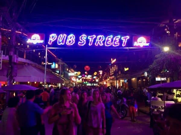 Lugares para curtir a noite de Siem Reap, Pub Street, Camboja