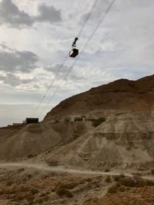 Masada. monte rochoso de topo achatado em Jerusalém