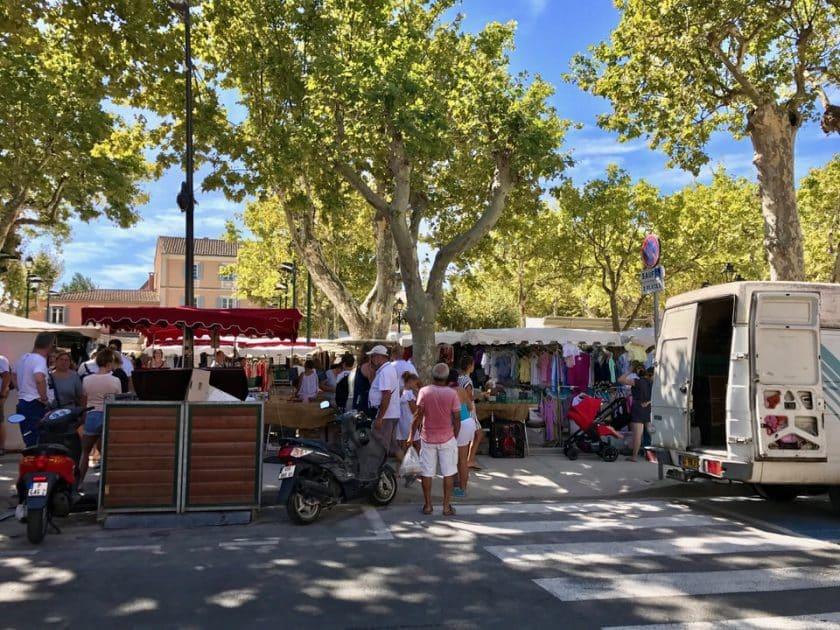 St Tropez - Marché aux Puces - Place des Lices